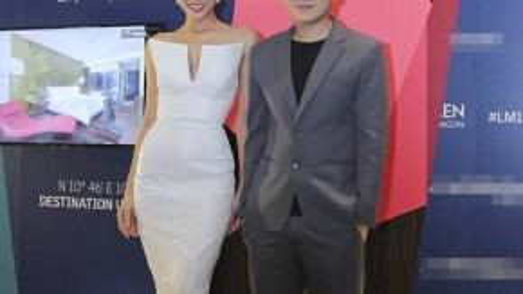 NTK Hoàng Minh Hà - Quán quân Project Runway Vietnam 2013 đồng hành cùng người mẫu Phương Mai.