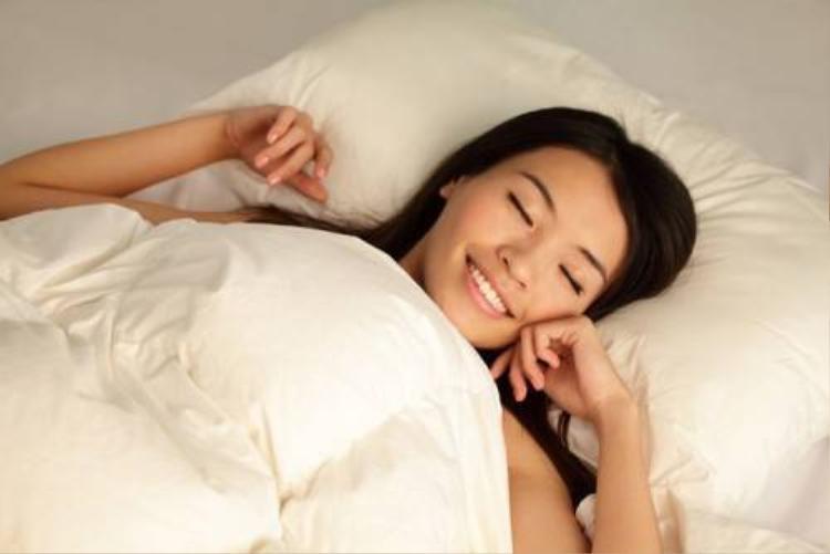 'Xuống tinh thần' với thói quen làm gián đoạn giấc ngủ