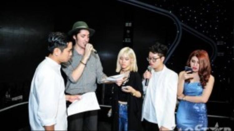 Ngay cả cựu thí sinh như Taylor vẫn chưa thể gọi tên ngay quán quân của Giọng hát Việt 2015.