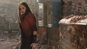 Elizabeth Olsen - Scarlet Witch trong The Avengers: Age of Ultron.