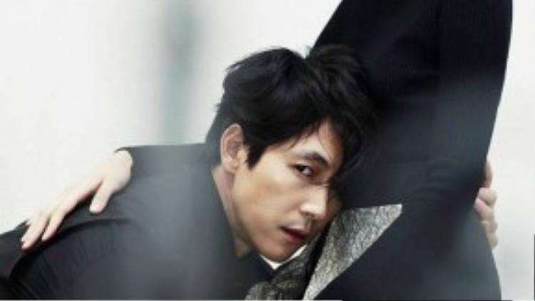 Tài tử Jung Woo Sung diễn xuất đầy tâm trạng bên cô đào 9x Esom - bạn diễn trong phim Scarlet Innocence.
