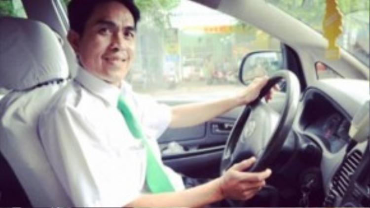 Với kinh nghiệm lái xe lâu năm và khả năng thuộc đường xá như lòng bàn tay. Anh tài xế taxi sẽ đến đóm bạn ngay chỉ sau một cú điện thoại.