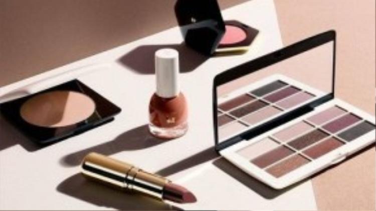 Dòng mỹ phẩm của H&M được đánh giá là phù hợp với mọi đối tượng, từ người mới học đến người đã make up thành thạo.