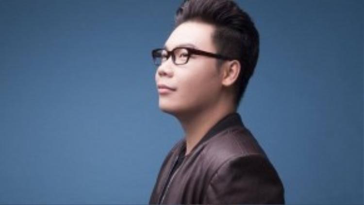 Ca nhạc sĩ - nhà văn Hamlet Trương.