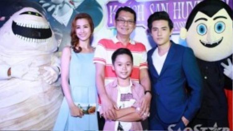 """Bé Trọng Khang là thành viên nhỏ tuổi nhất trong """"gia đình""""."""