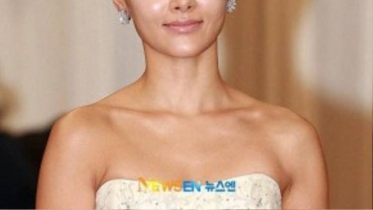 Tháng 7/1998, nữ diễn viên Do Jiwon bị một người đàn ông và một phụ nữ dùng dao đe dọa ở bãi đỗ xe tại Seoul. Cặp đôinày sau đó bắt cóc và nhốt cô trong xe và lái xe vòng quanh suốt 5 tiếng đồng hồ sau đó mới thả ra với đề nghịtiền chuộc 14 triệu won.