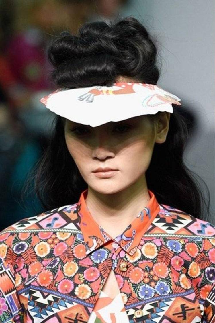 Thùy Trang  Top 4 VNTM 2011 chào sân Milan Fashion Week