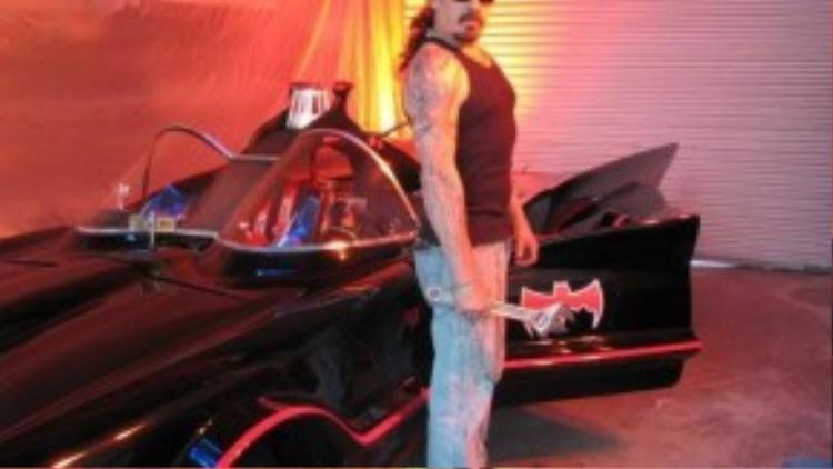 Mark Towle và chiếc xe dơi.