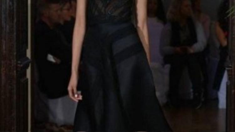 Hoàng Thùy là một trong những niềm tự hào lớn của Vietnam's Next Top Model bởi tài năng, tham vọng và luôn nỗ lực cống hiến cho niềm đam mê thời trang trong cô.