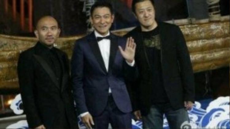 Lưu Đức Hoa (giữa).