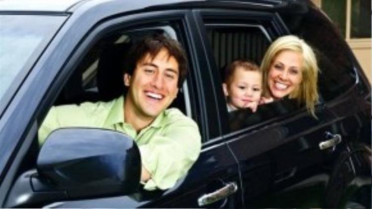Không phải như nhiều người mua ô tô cho oai, Minh Cường ao ước sở hữu một chiếc xế hộp để chở vợ con cho an toàn. Chưa kịp vui vì hoàn thành được một mục tiêu lớn, Cường đã phải méo mặt vì nỗi khổ tâm khó giải bày (Ảnh minh họa).