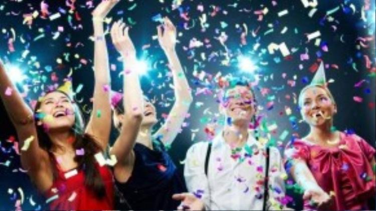 Mỗi lần nghĩ đến cảnh phải chinhững khoản tiền lớn cho những bữa tiệc sinh nhật mang tính hình thức, xã giao, Trâm lại cảm thấy ngao ngán vô cùng. Dần dà, thay vì háo hức như trước đây, côlại đâm ra sợ hãi chính ngày sinh nhật của mình (Ảnh minh họa).