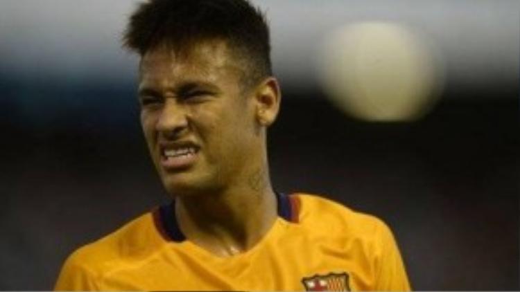 Neymar bị buộc cho là trốn thuế.