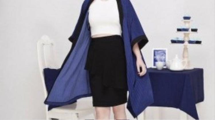 Kết hợp cùng kimono khoác ngoài tạo nên bộ cánh quyến rũ, thời thượng.