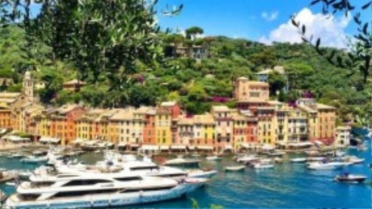 Từ đất Mỹ, cặp đôi đặt chân tới nhiều điểm đến nổi tiếng ở Croatia, Pháp, Hi Lạp và địa điểm gần đây nhất là đất nước hình chiếc ủng, Italia.