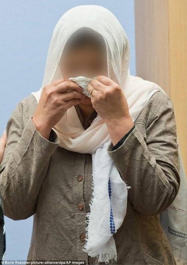 Trộm bao cao su, thiếu nữ bị cha ruột bóp cổ đến chết