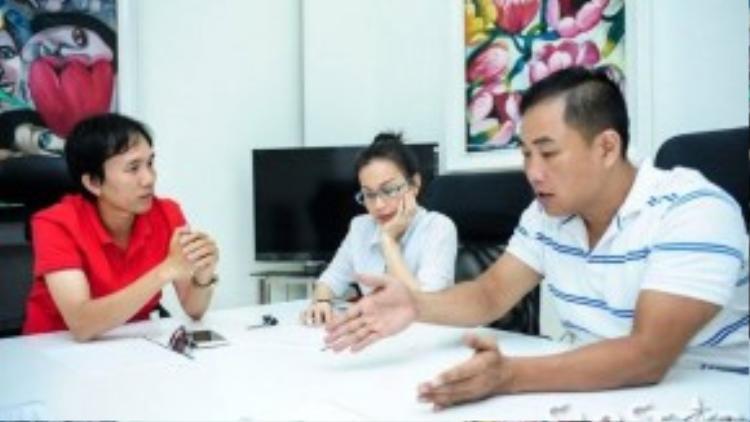 Cẩm Ly đã có một cuộc trao đổi cùng chồng là nhạc sĩ Minh Vy và đạo diễn chương trình Nguyễn Hữu Thanh.
