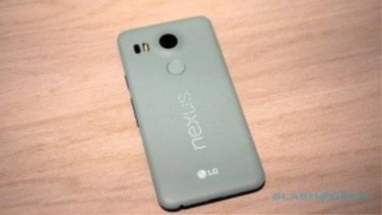 Mẫu Nexus 5X đến từ Google.