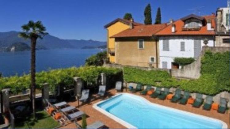Sự lưu trú của nữ hoàng Victoria năm 1838 đã thay đổi mọi thứ nơi đây. Royal Victoria nằm cạnh hồ Como, với bồn tắm dành cho hai người và những tiện nghi sang trọng khác.