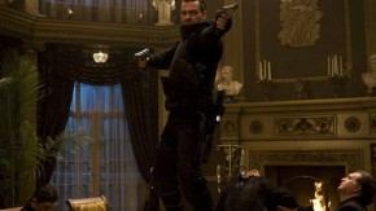 """The Punisher trong loạt """"The Punisher"""": Nhân vật thường được người hâm mộ thế giới truyện tranh Marvel gọi là """"siêu anh hùng tàn bạo nhất"""" do cách mà gã trừng trị những tên tội phạm xấu số. Mất đi gia đình và người thân, Frank Castle chỉ còn biết lao mình vào trận chiến với cái ác. Sau hai tập phim điện ảnh không thành công cho lắm, quái hiệp sẽ tái xuất trong mùa hai của series """"Daredevil""""."""