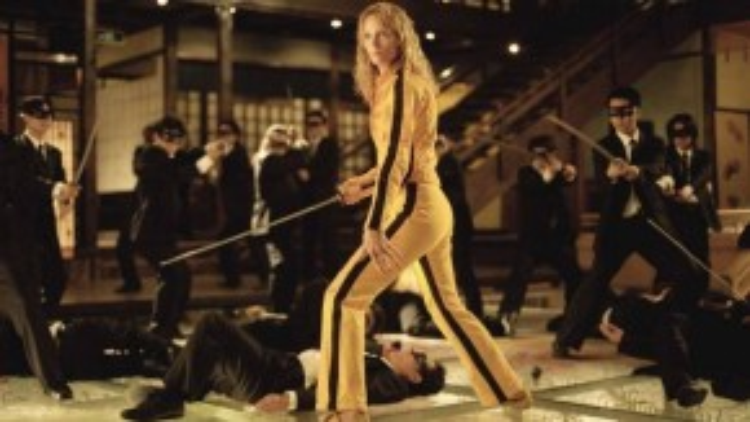 """Cô dâu trong """"Kill Bill"""": """"Cô dâu"""" là biệt danh mà đạo diễn Quentin Tarantino đặt cho nhân vật chính Beatrix Kiddo, một thành viên ưu tú của tổ chức sát thủ do gã Bill cầm đầu. Cô quyết định gác kiếm và kết hôn khi biết mình có thai. Nhưng Bill cùng đồn bọn ập tới và """"tặng"""" cho Beatrix một viên đạn giữa trán. Song, Cô dâu may mắn thoát chết và đơn thân quay lại trả thù những kẻ khiến mình dở sống, dở chết."""