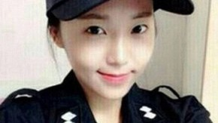 Bức ảnh selfie trong bộ quân phục của Kim Miso trên Instagram đã nhanh chóng trở thành một hiện tượng trên các trang mạng xã hội Hàn Quốc.