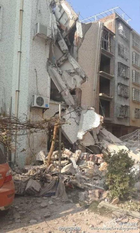 Những hình ảnh tan hoang sau 17 vụ nổ liên hoàn tại Trung Quốc