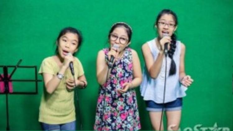 """""""Thần đồng opera"""" - Phương Khanh, """"công chúa tóc mây"""" - Hồng Minh và cô bé Thu Thủy sẽ cùng thể hiện làn họ dân ca Bắc Ninh: Lý cây đa được phối lại hoàn toàn mới lạ."""