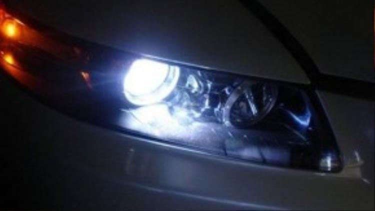 Sử dụng đèn đúng cách không chỉ mang lại an toàn cho bạn mà còn cho những người xung quanh.