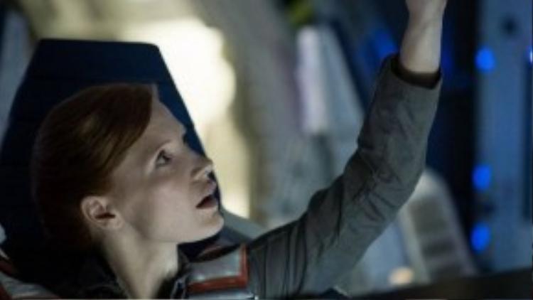 Jessica Chastain trở lại hình tượng phi hành gia trong một vai diễn mới tựa Ryan (Sandra Bullock) của Gravity.