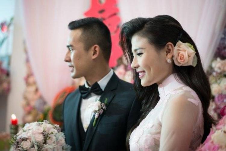 Ngắm bộ ảnh đính hôn ngập sắc hoa của Lương Thế Thành  Thúy Diễm