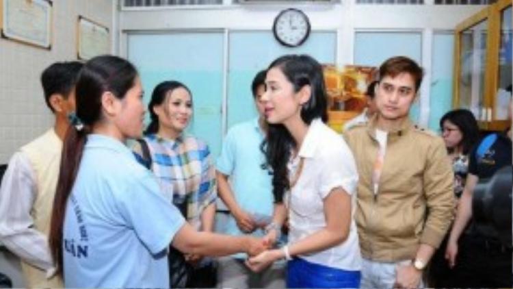 Là một trong những người đầu tiên tham gia, Việt Trinh thường xuyên đồng hành cùng nhóm trong những hoạt động thiện nguyện giúp đỡ những hoàn cảnh bất hạnh.