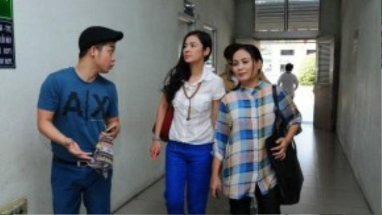 Vừa qua, nữ diễn viên Việt Trinh cùng các đồng nghiệp đã đến bệnh viện Chợ Rẫy để thăm các bệnh nhân nghèo.
