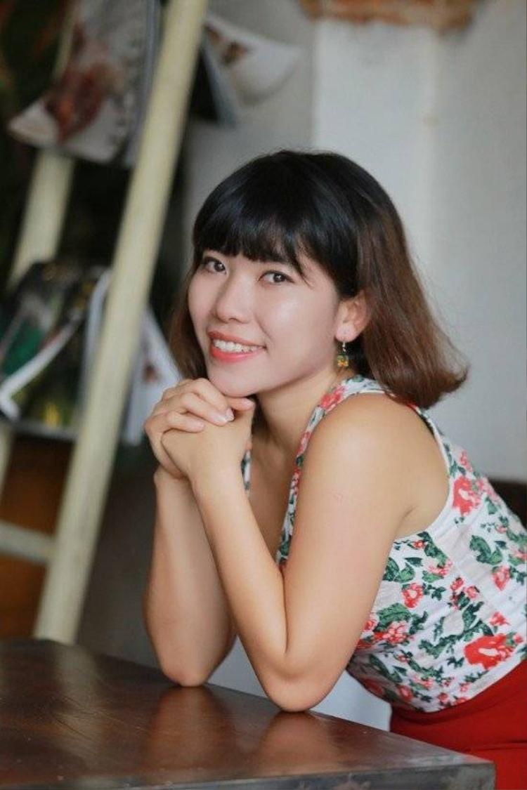 Cô gái vô danh bị chê hát vụng làm dậy sóng showbiz Việt