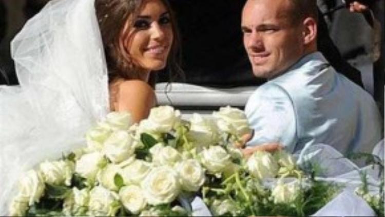 Cả hai hạnh phúc trong ngày cưới.