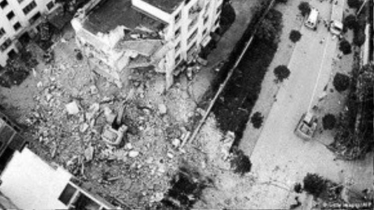 Hiện trường một vụ nổ bom được cho là do Vi Ngân Dũng thực hiện.