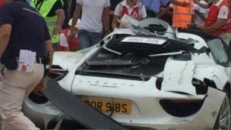 Tỷ phú Anh phá siêu xe 18 tỷ đồng khiến 20 người bị thương.