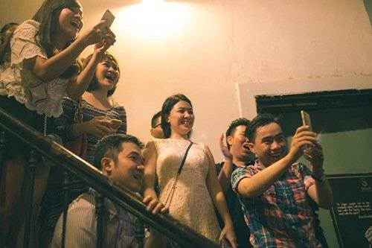 Vân Trang chìm trong hạnh phúc khi được bạn trai đại gia cầu hôn