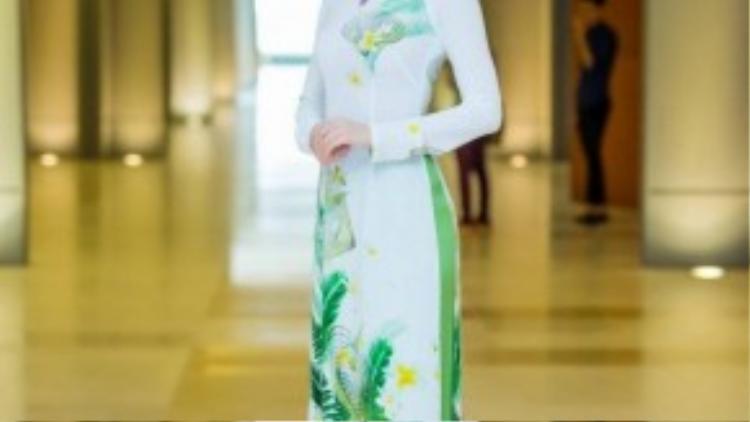 Á hâụ Diễm Trang đang có những dự định cho một đám cưới viên mãn bên người tình cao 1m90.