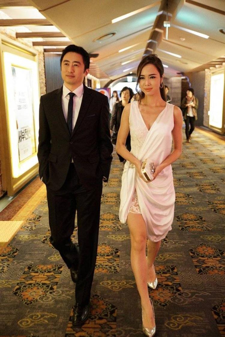 Vũ Ngọc Anh đẹp kiêu sa trong buổi trình chiếu Quyên tại Busan