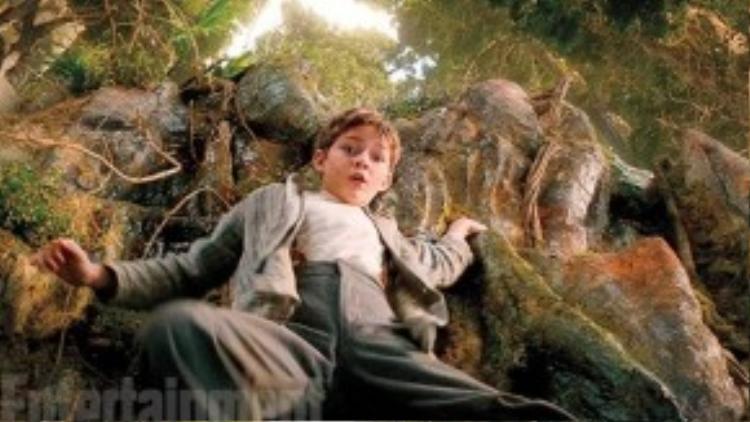 Peter xuất hiện trong khu rừng. (Ảnh: Warner Bros)