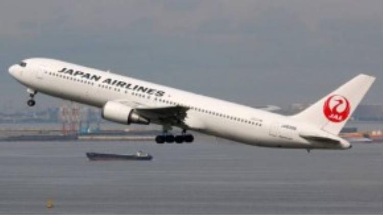Boeing hiện đang hỗ trợ cùng Japan Airlines để tăng hiệu quả sử dụng nhiên liệu từ tảo.