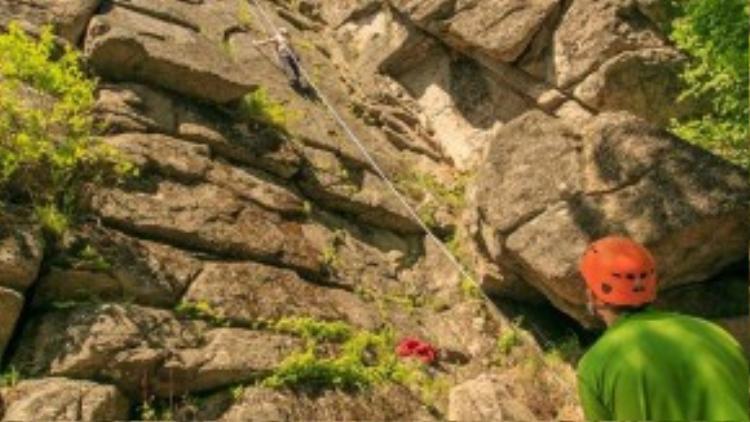 Nếu như bạn muốn thử thách bản thân hơn nữa thì những vách núi dựng đứng như Vytias luôn sẵn sàng chào đón bạn.