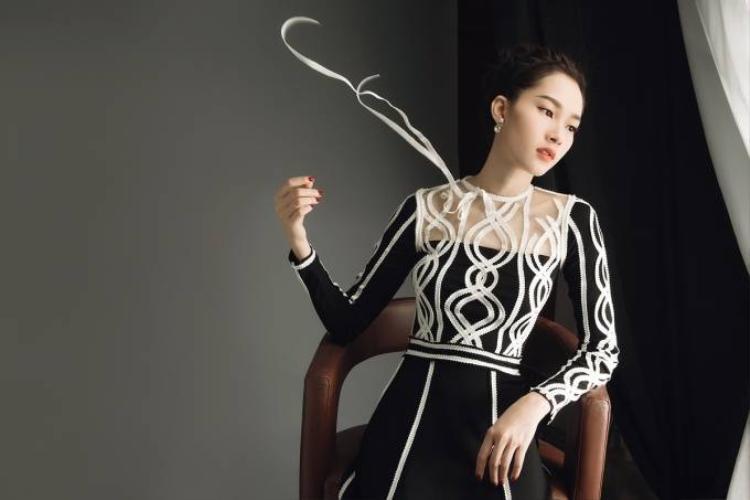 Hoa hậu Đặng Thu Thảo đẹp xuất thần trong bộ ảnh mới