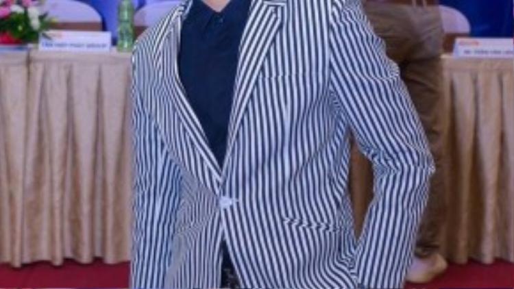 Ca sĩ trẻ Khánh Hoàng