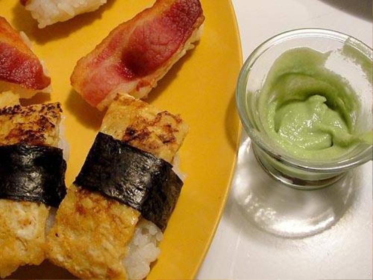 Cách ăn sushi không lo sợ béo
