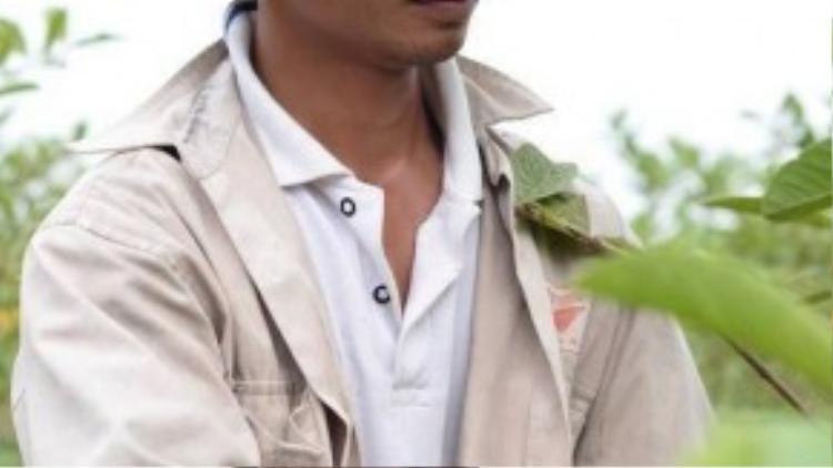 Trước khi được nhiều người biết đến, Lệ Rơi là một nông dân trồng ổi tại quê nhà ở xã Liên Mạc, huyện Thanh Hà, tỉnh Hải Dương.