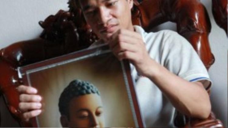 Thất bại trong các dự án nghệ thuật lẫn kinh doanh là những bài học đắt giá cho chàng trai 28 tuổi này. Ảnh: Dân Việt