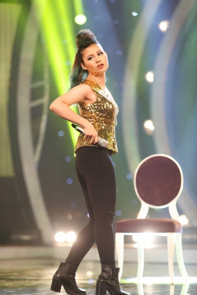 Thu Minh ngồi ghế nóng xem thí sinh hát hit Hồ Ngọc Hà, Mỹ Tâm