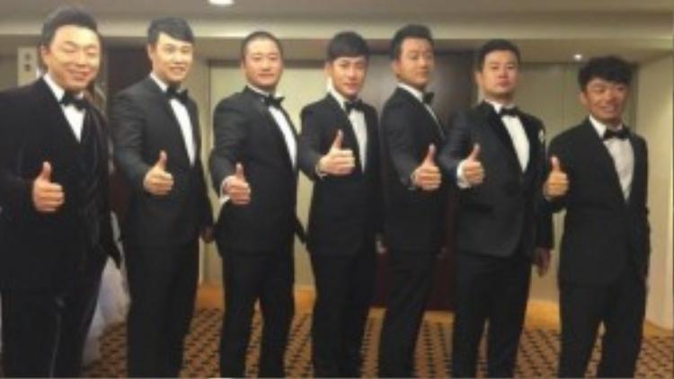 Dàn phù rể với những diễn viên nổi tiếng như Đồng Đại Vỹ, Vương Tư Thông, Tiểu Thẩm Dương.